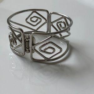 Jewelry - 💖 silver cuff bracelet